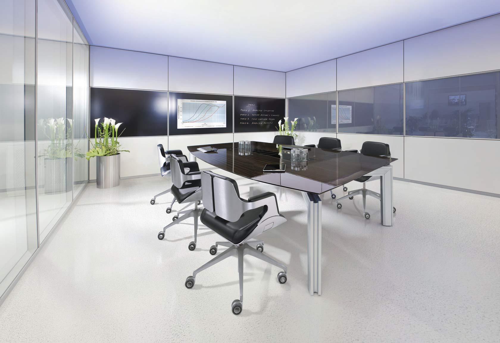 Exklusiver Konferenztisch aus hochwertigen Materialien
