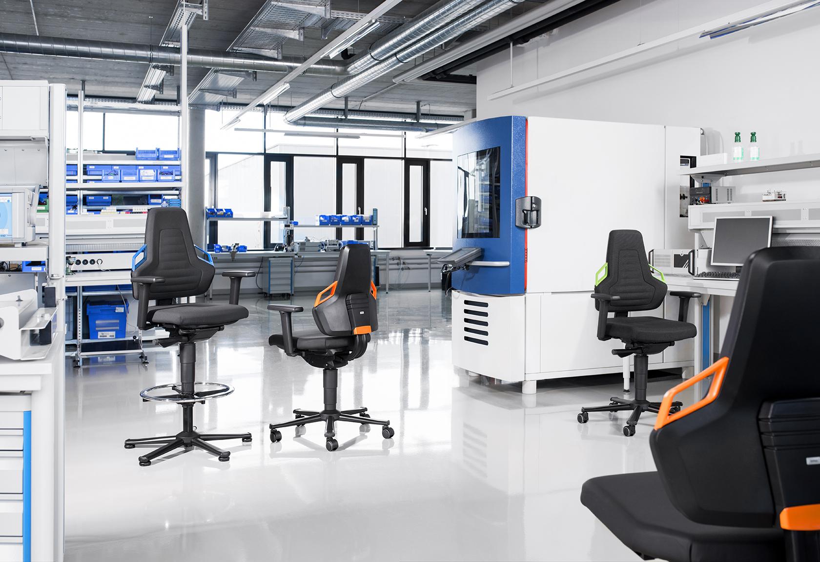 Ergonomische Arbeitsstühle für Industrie und Labor